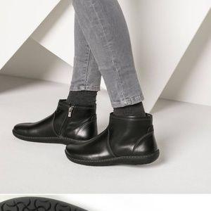 Birkenstock black ankle boots sz 10